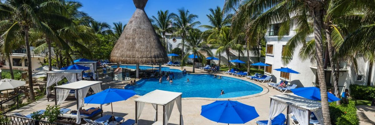 The Reef Playacar****