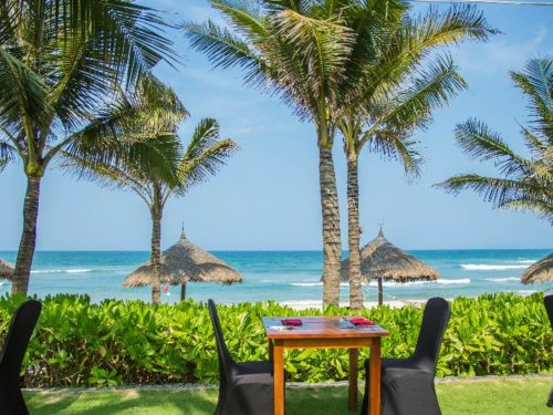 Melia Danang Beach Resort****